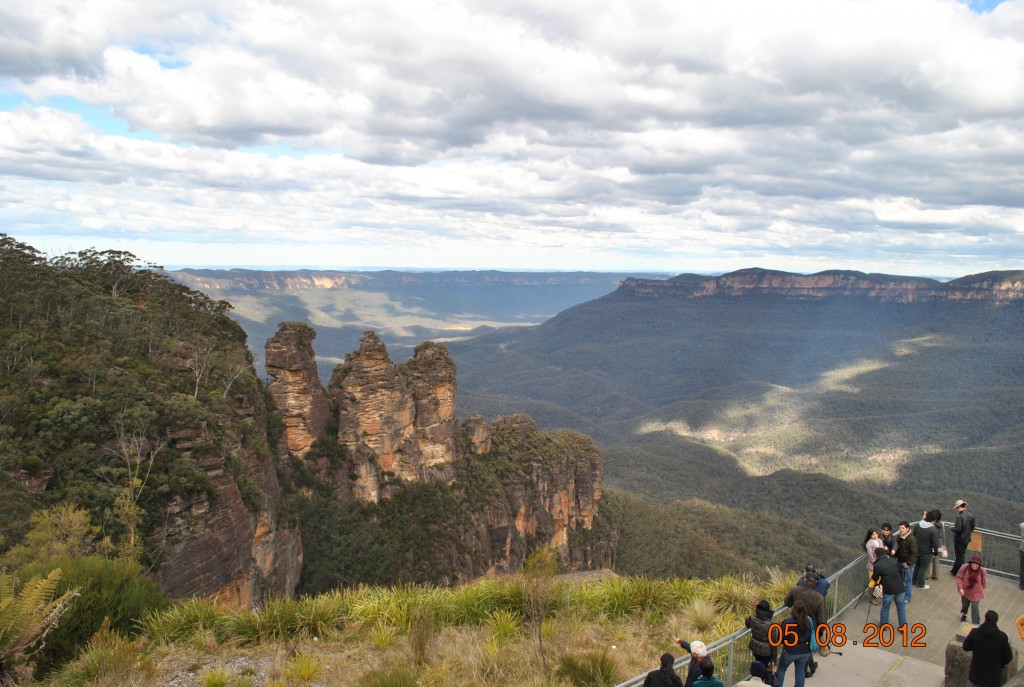 Three Sisters Blue Mountains Photo