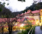 Jenolan Caves Overnight Escape with Breakfast and Plughole Tour at the Award-Winning Jenolan Caves House