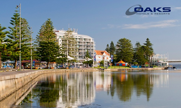 The Entrance From $199 for a Beach Getaway with Bottle of Wine and Late Checkout at Oaks Waterfront Resort The Entrance